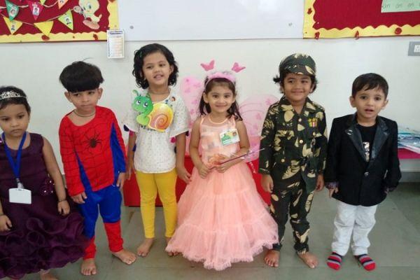 fancydress-celebration-nursery-9579E3D2D-D103-D29E-422A-D2F123144259.jpg