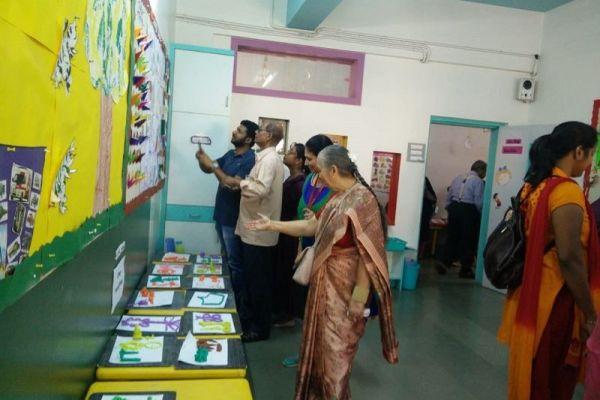 art-craft-books-science-exhibition-6352707CE-8C8B-2E9F-2495-21399A482CE6.jpg